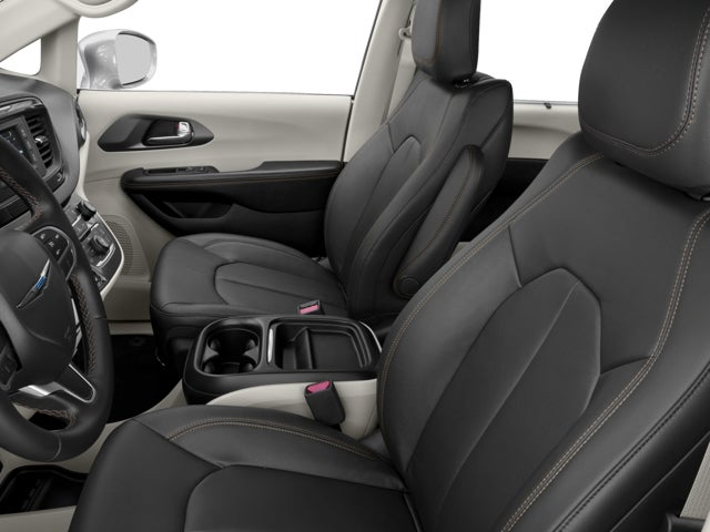 Luxury Chrysler Pacifica 2016 Interior